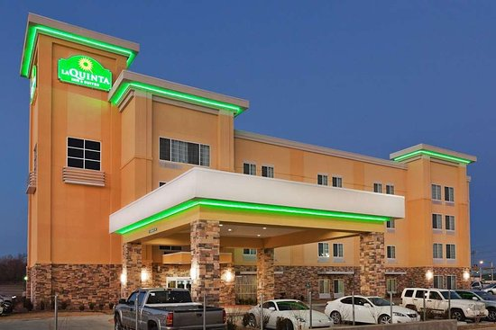La Quinta Inn And Suites 2 of 4