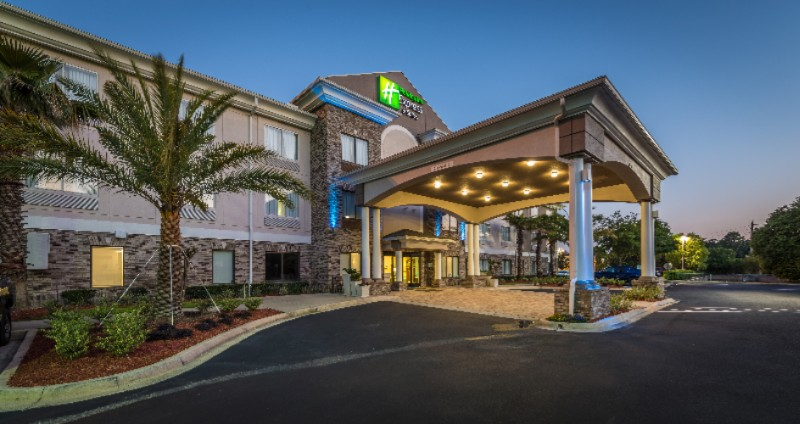 Holiday Inn Express Jacksonville Blount Island 1 of 31