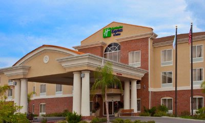 Holiday Inn Express Hotel & Suites 1 of 16