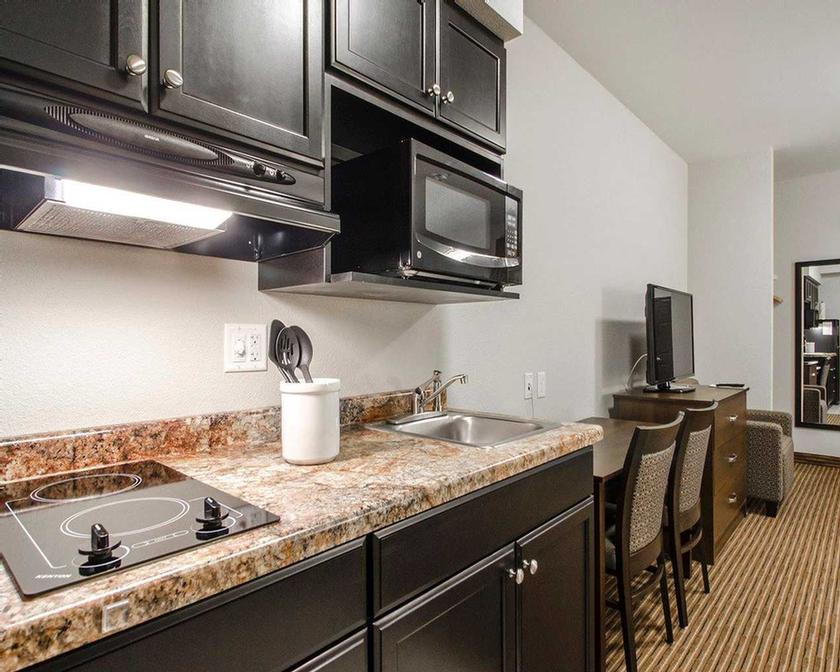 All Rooms Feature Fully Equipped Kitchens 4 of 11