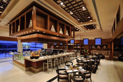 Doubletree By Hilton Gugraon -Hotel\'s Cafe Deli 10 of 10