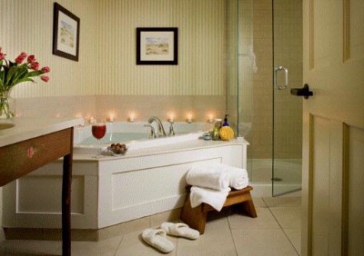 Lake Opechee Inn & Spa -Lake View Guest Room Bath 6 of 23