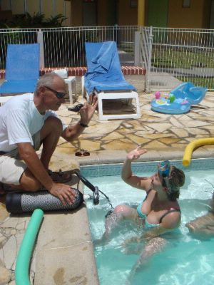 Scuba Diving Lessons In The Pool 14 of 30