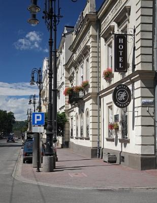 Fortuna Hotel In Krakow Street View 16 of 16