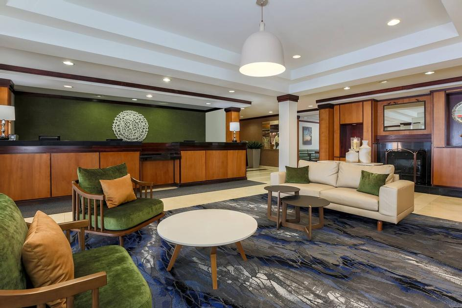Fairfield Inn & Suites Mahwah 1 of 3