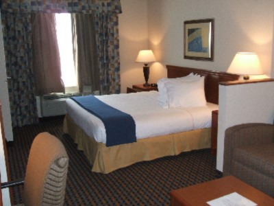Holiday Inn Express Dallas Standard Room With A King Size Bed 7 of 11