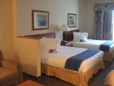 Holiday Inn Express Dallas Standard Room With Two Double Beds 8 of 11
