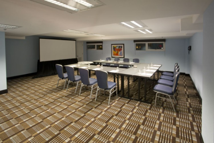 Marco Island Meeting Room 18 of 31