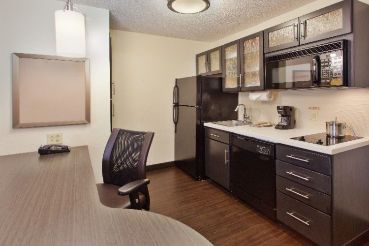 Fully Equipped Kitchen In One Bedroom Suite With Full Size Appliances 5 of 11