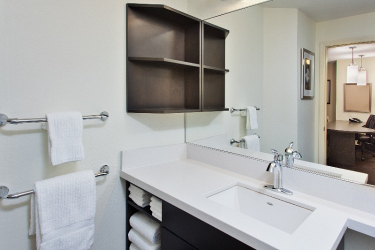Plenty Of Room In Our Spacious Bathrooms With Updated Finishes 6 of 11