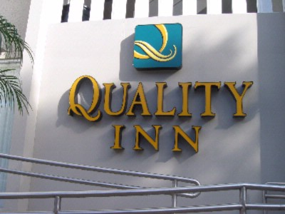 Quality Inn El Portal 1 of 8