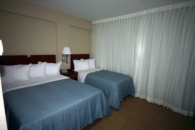 Room With A Double And A Twin Bed 4 of 8