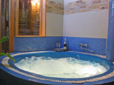Jacuzzi For 4 Persons 20 of 22