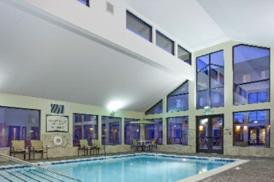 Indoor Pool And Jacuzzi 6 of 7