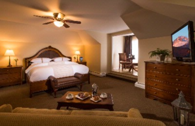 Lodge Suite Which Includes Continental Breakfast And Afternoon Refreshments Daily 7 of 10