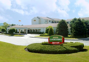 Courtyard by Marriott Fishkill 1 of 10