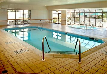 Indoor Pool And Whirlpool Spa 9 of 10