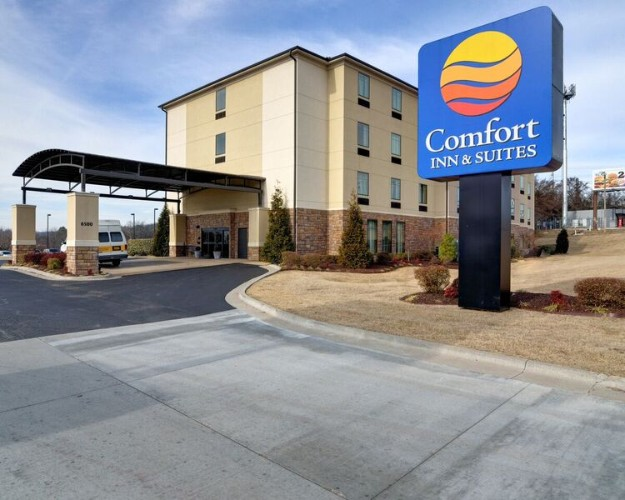 Comfort Inn Fort Smith 1 of 16