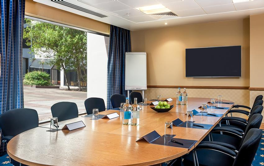 Meeting Room With Wireless Presentation System 3 of 15