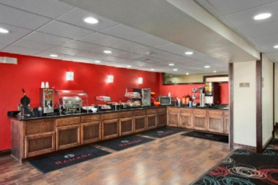 Complimentary Continental Breakfast With Hot Bar 5 of 8