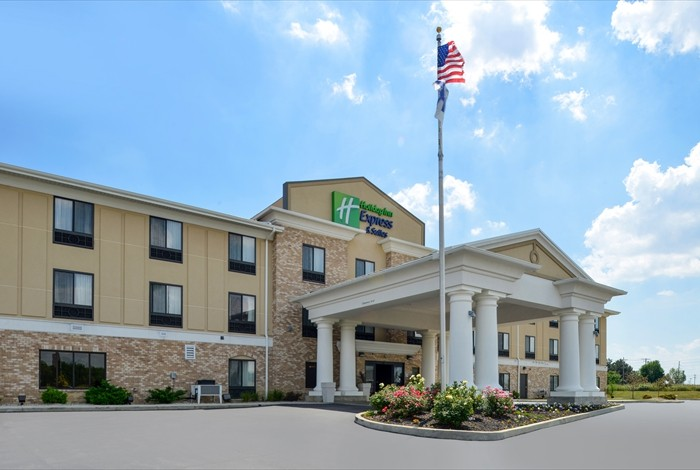 Image of Holiday Inn Express & Suites Greenfield
