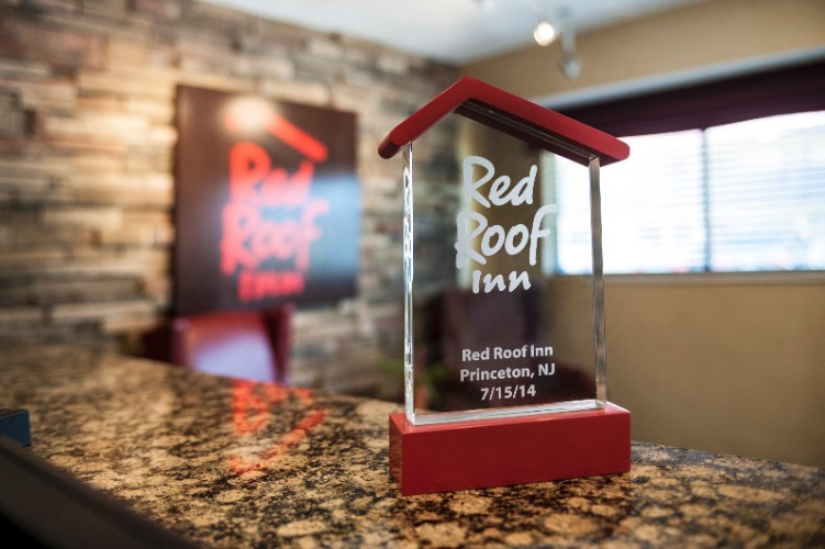 Red Roof Inn Two Bed