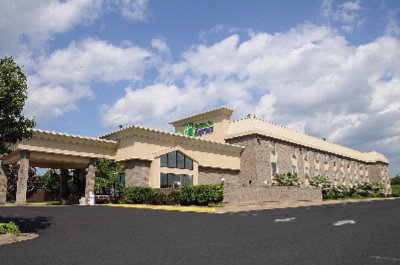Holiday Inn Express Winchester South / Stephens Ci 1 of 11