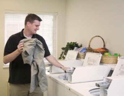 While You\'re Here Take Advantage Of Our Free Guest Laundry Facilities! 3 of 8