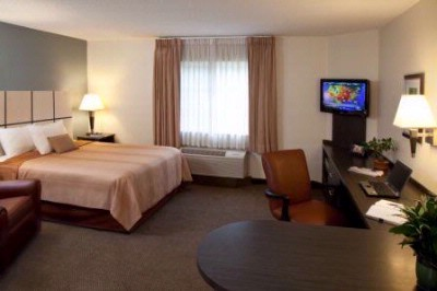 Spacious Studio Suites With Queen Bed Featuring Wall-Mounted Flat-Screen Tvs And Expansive Workspace And Storage! 6 of 8