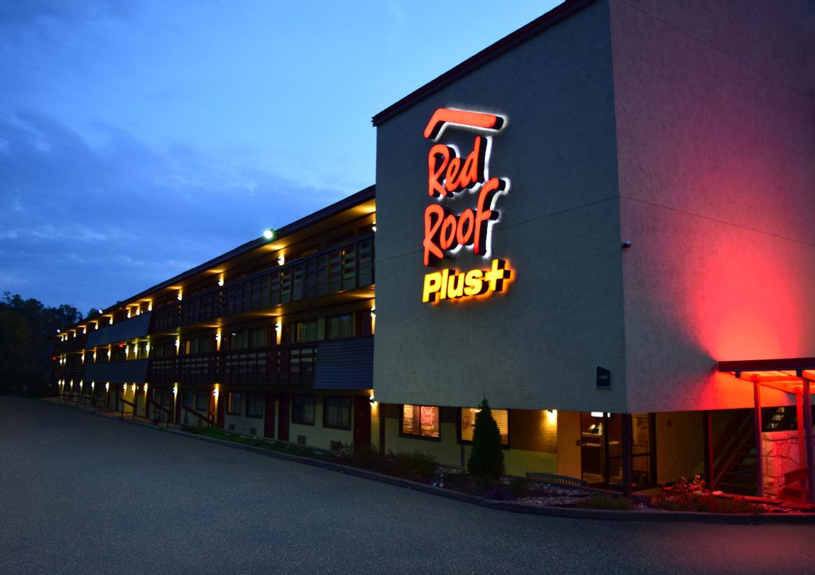 Red Roof Inn Pittsburgh East Monroeville 1 of 17