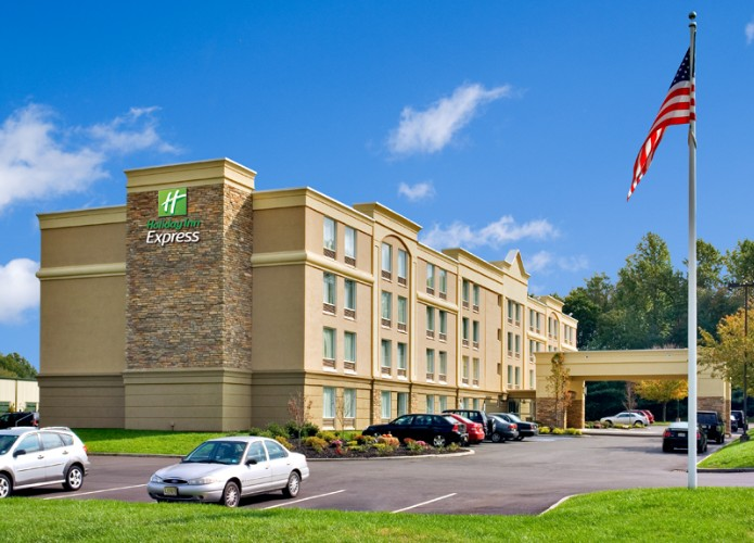 Holiday Inn Express Hotel & Suites West Long Branc 1 of 15