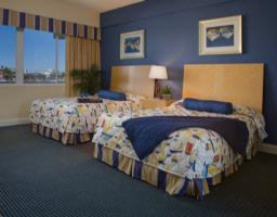 Guest Rooms With 2-Queen Beds 5 of 8
