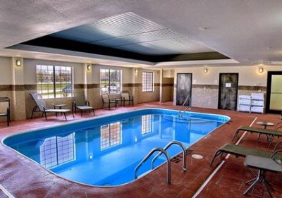 Indoor Swimming Pool 4 of 13