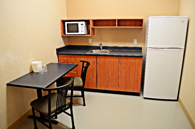 Suite Kitchenette 6 of 7