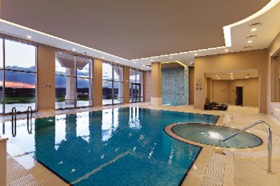 Indoor Swimming Pool 10 of 15