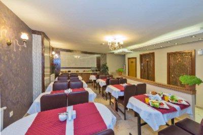 Erbazlar hotel istanbul hayriye tuccariye cad no 8 34540 for Erbazlar hotel