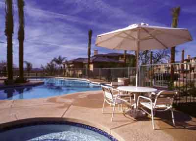 Outdoor heated pool and Jacuzzi. 4 of 5