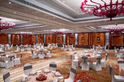 Grand Ball Room 11 of 31