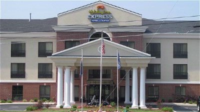 Holiday Inn Express Hotel & Suites Ashland Kentucky 2 of 9