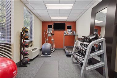 Fitness Center 8 of 19