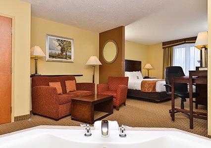 Upgrade Your Stay Into One Of Our Jacuzzi Suites. All Jacuzzi Suites Feature 1 King Size Bed Sofa Bed Microfridge In Room Safe And All The Amenties You Come To Expect With Comfort Suites. 6 of 15