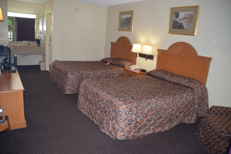 Standard Double Bed Room 1 12 of 23