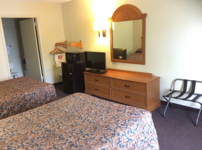 Standard Double Bed Room 2 13 of 23