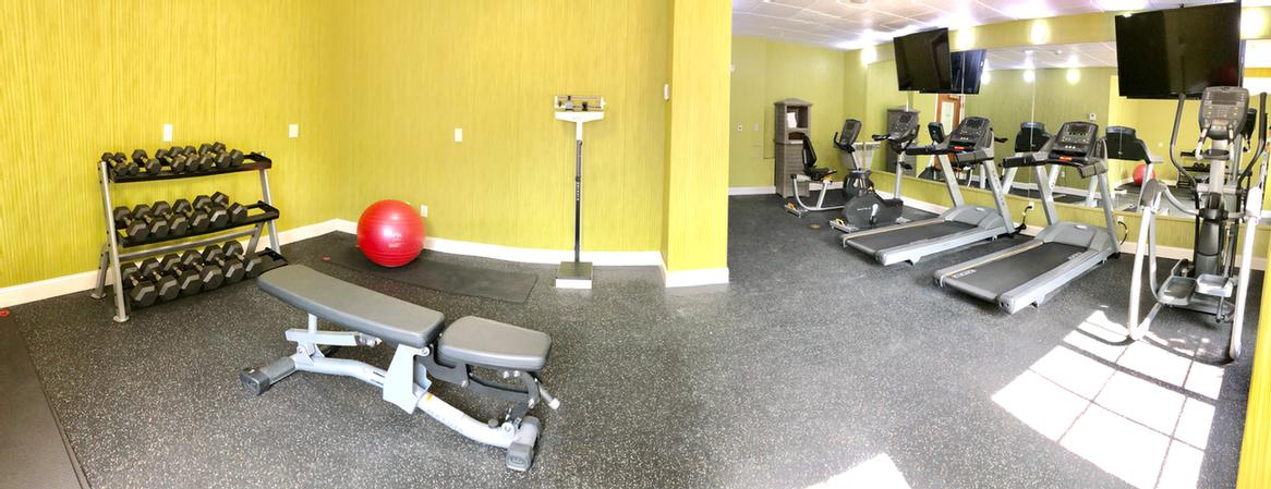 Fitness Room 25 of 25