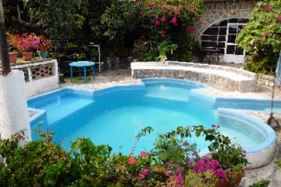 The Hotel Playa Linda Has An Outdoor Swimming Pool In The Middle Of Your Garden. 4 of 15