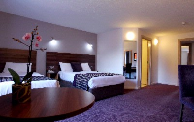 Superior Room Jurys Inn Belfast 3 of 7