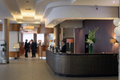 Hotel Reception Jurys Inn Belfast 5 of 7