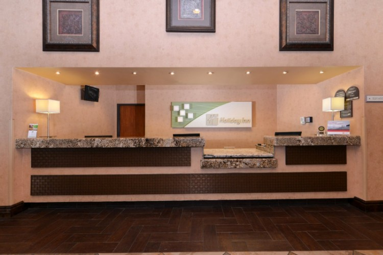 Front Desk 9 of 21