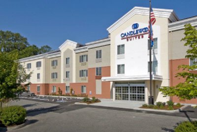 Candlewood Suites Burlington 1 of 14