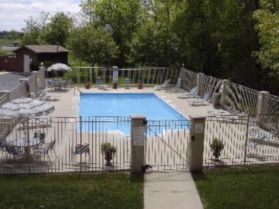 Outdoor Heated Pool 14 of 15